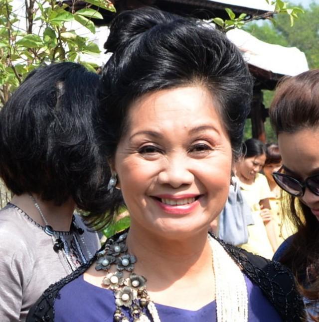Nghệ sĩ Xuân Hương khẳng định chị không vô duyên đi bình luận chuyện của Trang Trần.