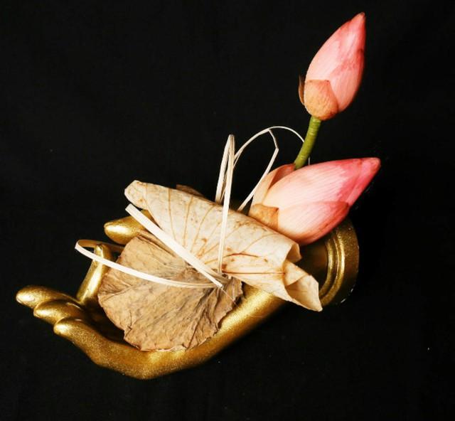 Một sản phẩm sen tươi ướp của Chí Công. Ảnh: Thái Nguyễn.
