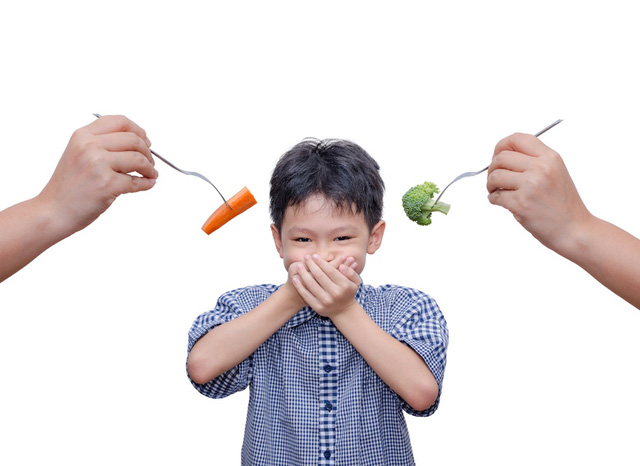 Có nhiều nguyên nhân khiến con trở nên biếng ăn