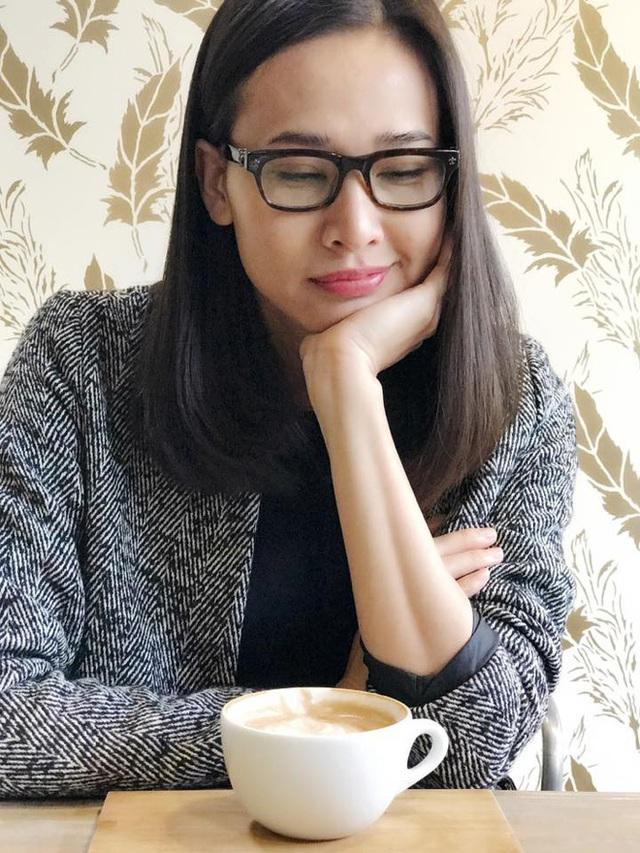 Bạn bè Hoa hậu Dương Mỹ Linh thể hiện thái độ vui mừng khi cô kết thúc mối quan hệ với Bằng Kiều.