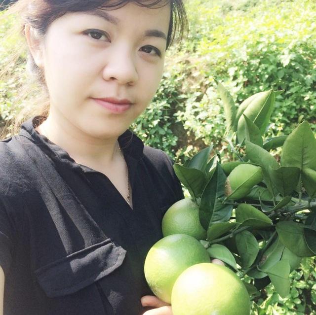 Chị Thu Nguyệt - y tá trực tiếp cắt chỉ cho sản phụ T (Ảnh: NVCC).