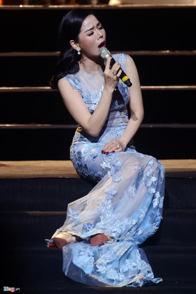 Lệ Quyên chuyên hát nhạc Bolero, cô cũng được xem là một trong những giọng ca Bolero đắt show nhất hiện nay. Ảnh: Tiến Tuấn.