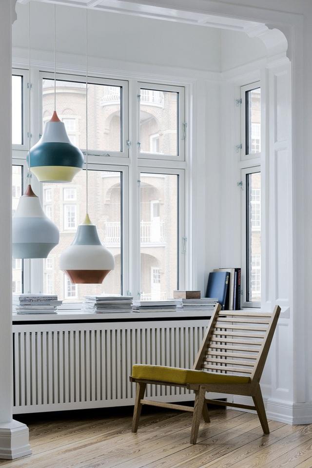 Đây là một thiết kế đèn cỡ lớn được treo ở không gian đọc sách của bạn có tác dụng nâng cao tâm trạng đọc sách.