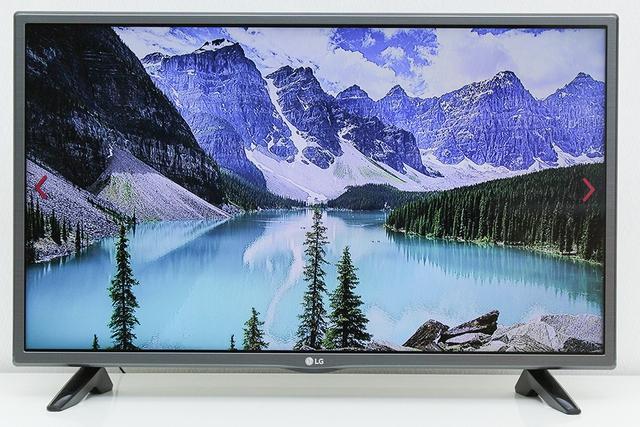 Đến Điện máy Xanh mua TV trong tháng 8, khách hàng sẽ được hưởng nhiều ưu đãi hấp dẫn.