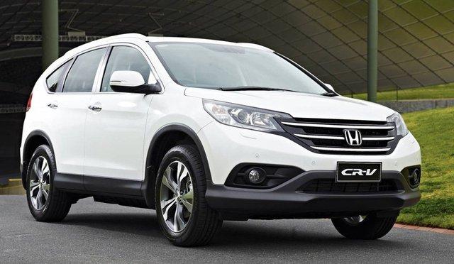 Honda CR-V, đối thủ cạnh tranh trực tiếp với Mazda CX-5 tại thị trường Việt Nam.