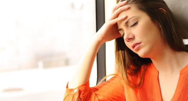 Đau dạ dày là triệu chứng phổ biến và dễ phát hiện nhất của viêm loét dạ dày.