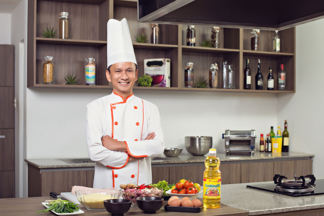 Chef Alain Nguyễn tốt nghiệp trường École Supérieure de Cuisine Française (ESCF) Ferrandi Paris - trường Nghệ thuật Ẩm thực Paris