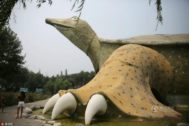 Dù chưa mở cửa, nhưng tòa nhà hình chú rùa này đã nhanh chóng trở thành đề tài bàn tán hot nhất tháng qua vì độ phủ sóng rộng rãi trên các phương tiện truyền thông Trung Quốc.