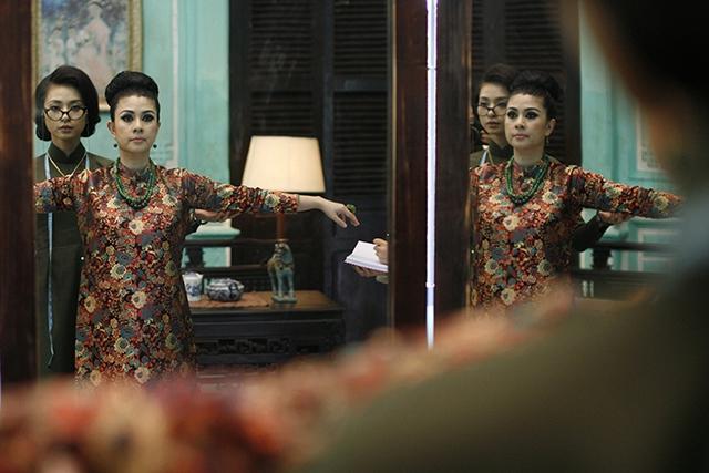 Kim Thư nói, vai Nữ hoàng Gạo trong phim chỉ là vai nhỏ của chị. Chị nhận lời tham gia vì mối quan hệ với Ngô Thanh Vân. Kim Thư từng là một trong những cái tên bán vé của điện ảnh Việt. Vài năm nay, chị giải nghệ, tập trung vào kinh doanh lĩnh vực ăn uống.