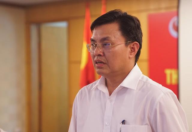 Phó tổng cục trưởng Tổng cục Môi trường Hoàng Văn Thức tại buổi họp báo. Ảnh: Duy Hiếu