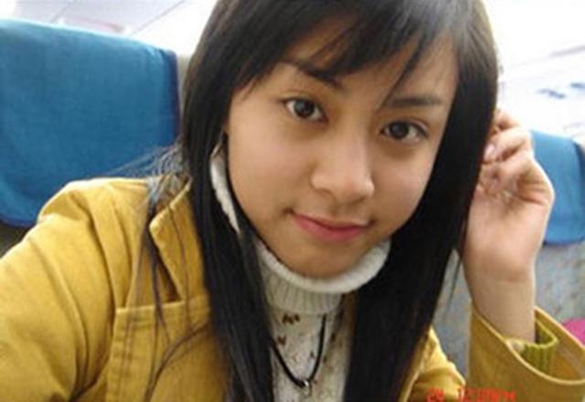 Nước da khỏe khoắn và gương mặt thanh tú tạo nên nét đẹp cho Hoàng Thùy Linh hơn 10 năm trước. Nữ diễn viên nhanh chóng gặt hái thành công khi đảm nhận vai nữ chính trong phần 2 phim Nhật ký Vàng Anh