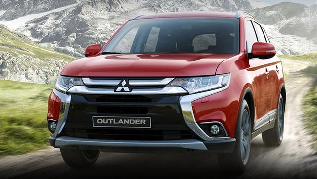 Mẫu SUV 5 chỗ Outlander có mức giảm gây sốc.
