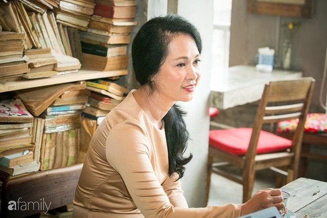 NSND Lan Hương: Ông Thủy Nguyên dùng những lời lẽ chợ búa như vậy để nói về 1 nghệ sĩ đáng kính là không thể chấp nhận được.