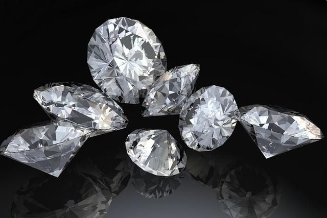Kim cương đã từng là vật chất cứng nhất thế giới, song giờ đã có vật chất khác soán ngôi nó.