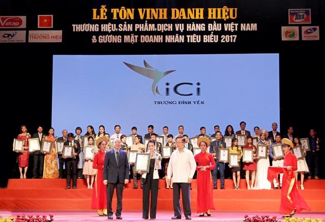 CiCi - Thượng Đỉnh Yến nhận giải thưởng Top 10 Thương hiệu, sản phẩm, dịch vụ hàng đầu Việt Nam 2017.