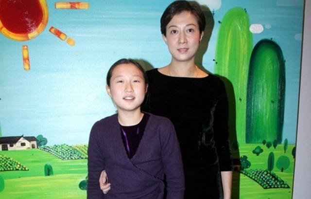 Ngô Trác Lâm mang họ mẹ - diễn viên Ngô Ỷ Lợi.