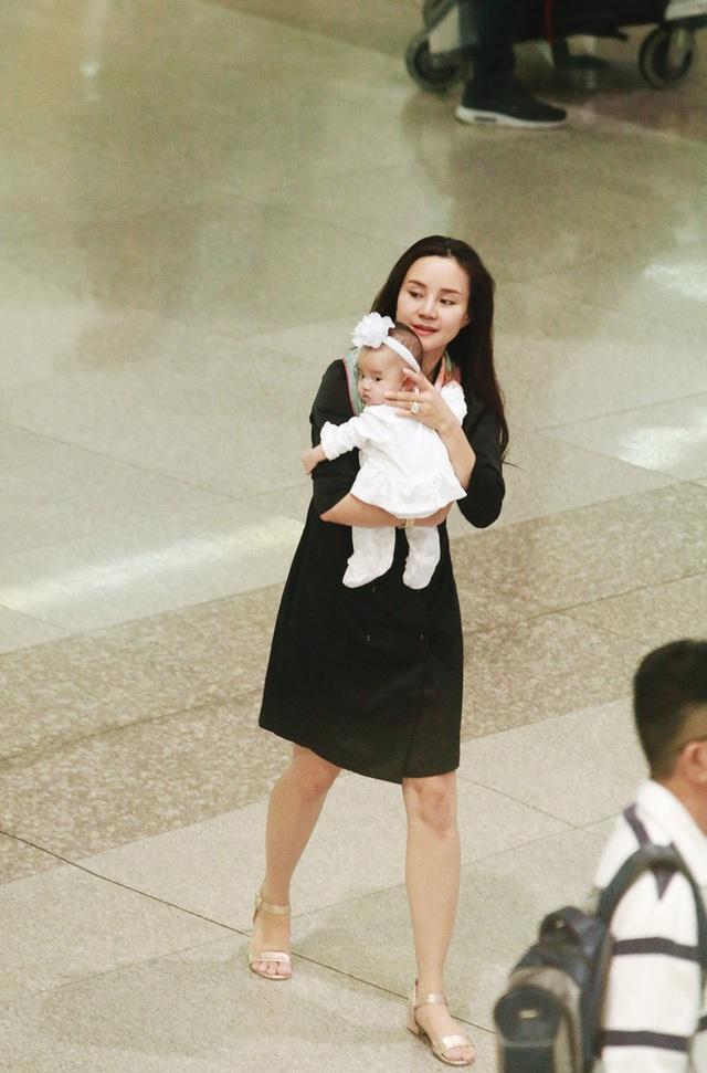 Tuy nhiên, thật may sức khoẻ của mẹ Vy Oanh hiện đã ổn định.