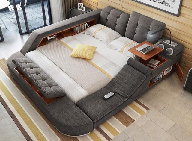 Giường Tatamo còn được trang bị một điều khiển từ xa cho ghế massage.