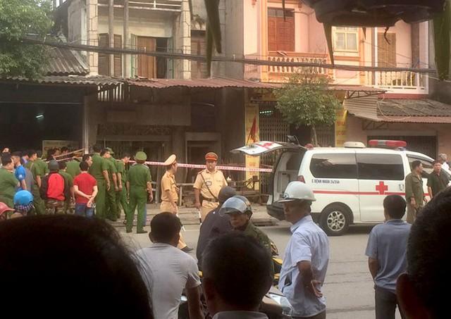 Cảnh sát phong tỏa hiện trường vụ nổ. Ảnh: Nguyên Thanh Tình.