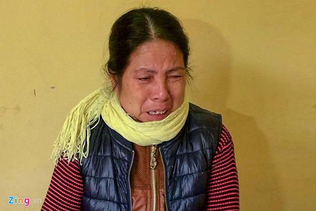 Bà Nguyễn Thị Hàn khóc sau khi bị bắt. Ảnh: CTV.