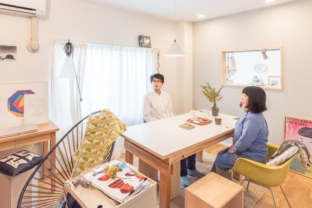 Phòng khách - sinh hoạt chính của cặp vợ chồng trẻ.