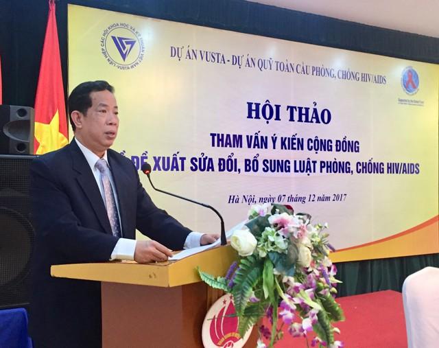 Ông Đặng Thuần Phong, Phó Chủ nhiệm Ủy ban các vấn đề xã hội của Quốc hội phát biểu tại Hội thảo. Ảnh: Bích Hồng.