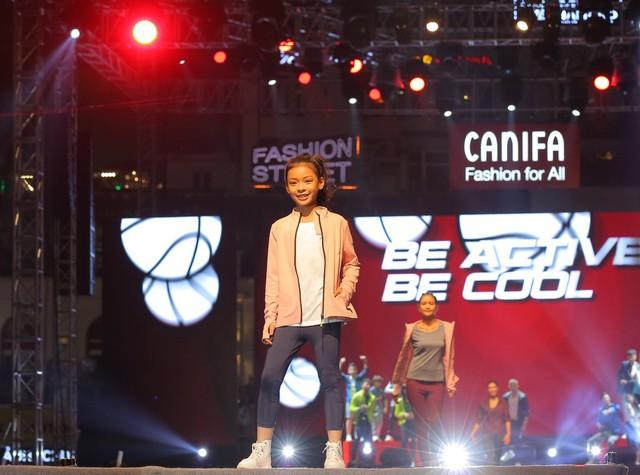 Các mẫu quần áo thể thao năng động cho các bé gái và bé trai với thiết kế đơn giản, năng động nhưng vẫn sang chảnh, đáng yêu.