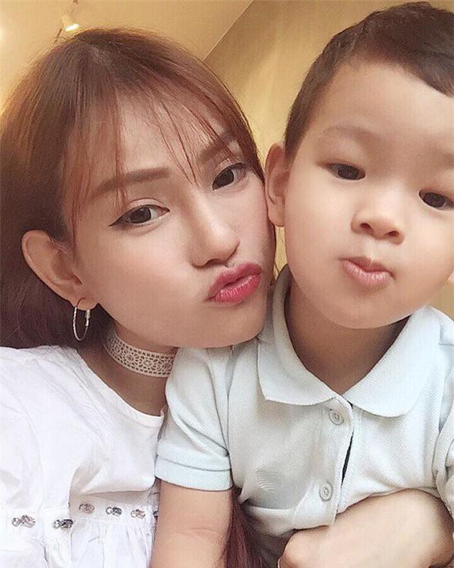 Kể từ khi ly hôn, con trai Thu Thủy không nhận được sự quan tâm từ cha.