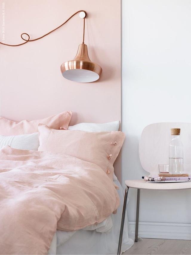 11. Và tất nhiên, màu hồng đào ngọt ngào không còn xa lạ gì với những căn phòng ngủ của con gái.