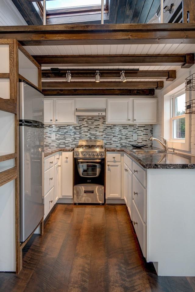 Với căn bếp đầy đủ thế việc cả nhà cùng nhau du lịch chẳng hề khó khăn.