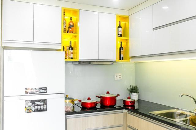 Bếp nấu được bố trí nội thất đơn giản, hiện đại. (Ảnh Hữu Dương)