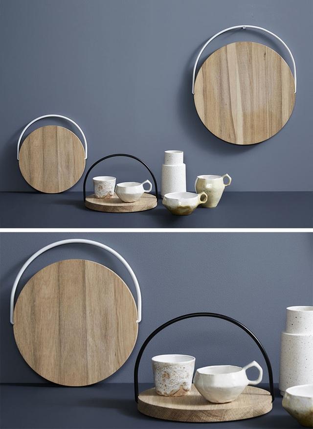 11. Không chỉ mang đến vẻ đẹp mộc mạc, giản dị, chiếc đĩa gỗ còn mang đến giải pháp lưu trữ tiện lợi, không tốn quá nhiều diện tích cho người dùng.