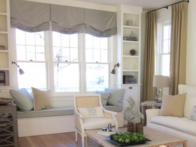 Bên cạnh việc có không gian thoáng đãng trong một chiếc ghế bành và ghế sofa, một phòng khách sáng sủa thực sự có thể trở nên hoàn hảo với việc bổ sung một ghế cửa sổ cho thấy tầm quan trọng của sự thoải mái và giải trí trong xu hướng trang trí nội thất mới.
