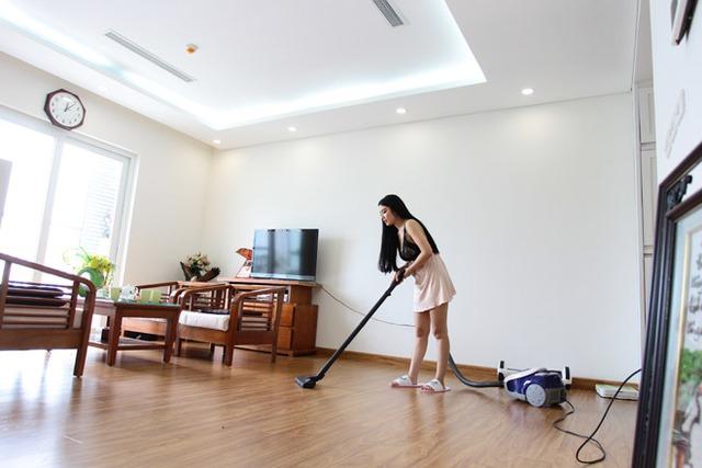 Căn hộ của Linh Miu tuy đơn giản nhưng khá gọn gàng và ngăn nắp.