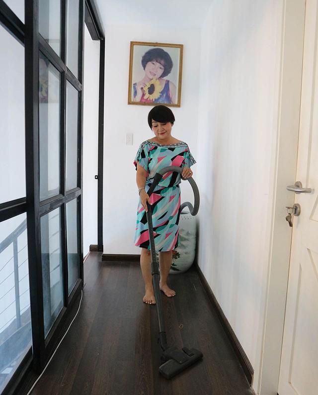 Nhà khá rộng nhưng Hải Lý không thuê người giúp việc, chị tự tay quản lý mọi thứ.