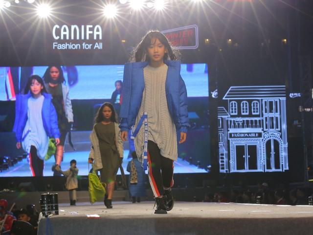 Thiết kế kẻ sọc trên mỗi chiếc quần hay cài áo là những điểm nhấn trên bộ trang phục mà Canifa mang tới.