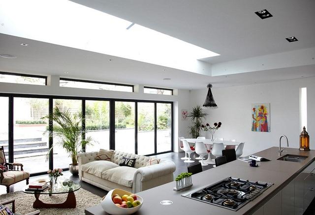 12. Một căn bếp tươi sáng luôn có sức hút gấp nhiều lần một căn bếp u tối cho dù sở hữu kích thước như thế nào đi nữa.