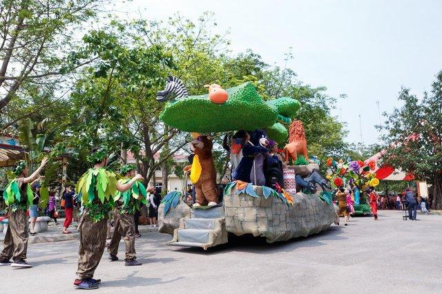 Carnival các nhân vật cổ tích tới từ Xứ sở rừng xanh