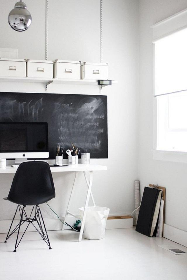 Bởi tất cả những lý do trên đây mà một chiếc bảng đen chính là thứ bạn không thể bỏ quên khi bắt tay vào thiết kế góc làm việc tại gia hiệu quả.