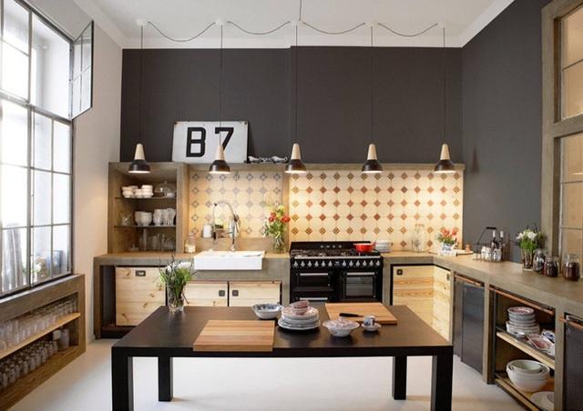 13. Vận dụng khéo léo phong cách công nghiệp, bạn vẫn có thể tạo ra được một căn bếp hiện đại và xinh đẹp như thế này.