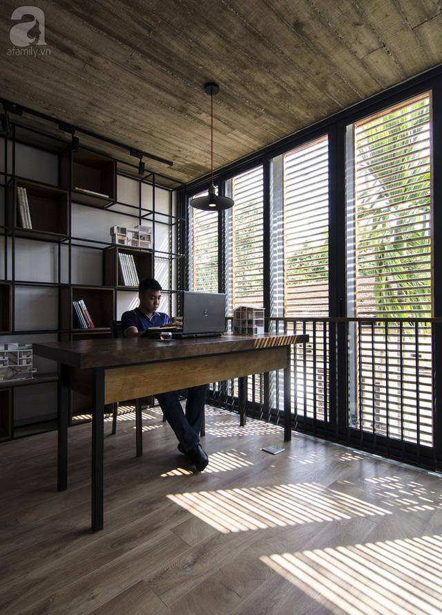 Mặt tiền không quá rộng nhưng nhờ bố trí hợp lý mà đa phần các không gian chính trong nhà đều có view.
