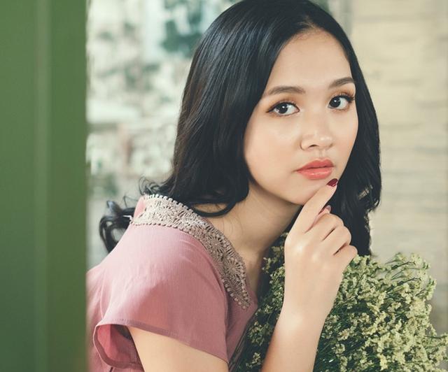 Cũng vì muốn trở thành một cô gái tài sắc nên trong suốt mấy năm học đại học, Hà Anh luôn nỗ lực để có kết quả tốt.