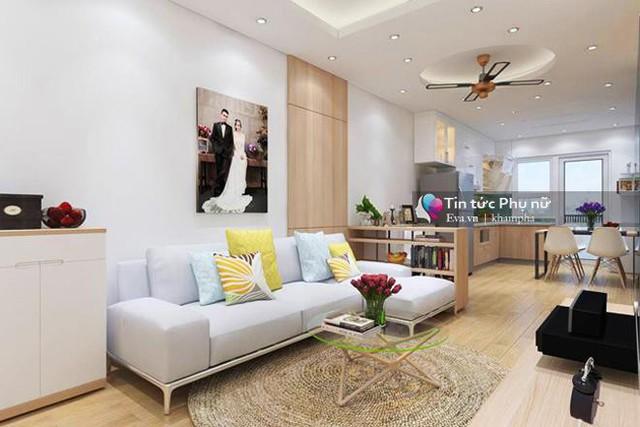 Căn hộ với diện tích 67m2 có cách bày trí cũng khá tinh tế và bắt mắt với phong cách thiết kế hiện đại, màu sắc trắng mang tính chủ đạo, điểm xuyết vàng nâu và ghi tôn lên vẻ hiện đại của căn nhà. Dù diện tích khiêm tốn nhưng gia chủ vẫn tận dụng được tối đa các không gian sử dụng.