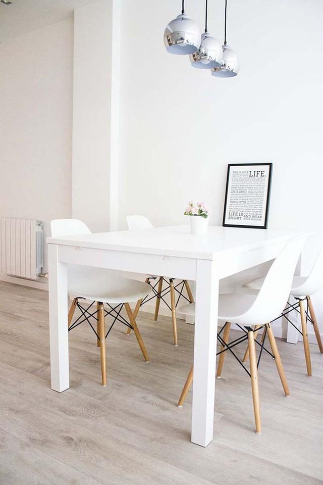 Những chiếc bàn ăn trắng thực sự là một lựa chọn hoàn hảo cho những căn phòng ăn có không gian nhỏ hẹp.