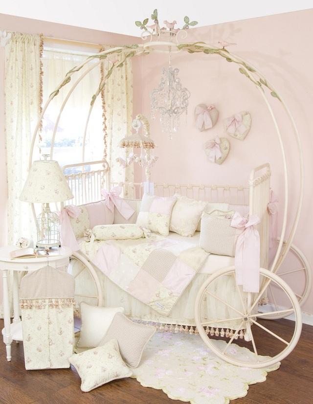 14. Một chiếc giường ngủ đươc lấy ý tưởng từ câu chuyện lọ lẹm với tạo hình là quả bí ngô cổ tích sẽ đem lại một giấc ngủ ngọt ngào cho các bé gái.