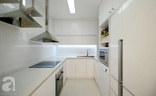 Khu bếp nhỏ nhưng cực tiện nghi.