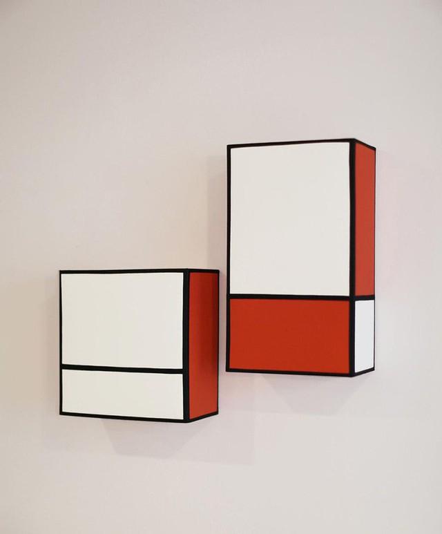 14. Kiểu đèn gắn tường được thiết kế với nhiều kích thước khác nhau phù hợp với từng khu vực, không gian sống của mỗi gia đình.