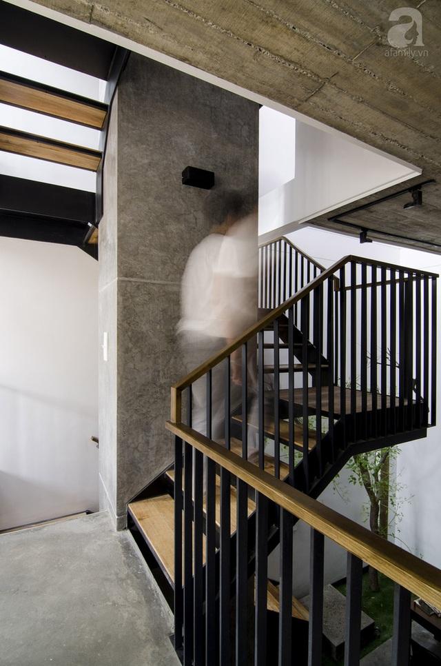 Cầu thang thiết kế thanh thoát.