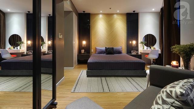 Phòng ngủ của vợ chồng chị Vân mang phòng cách hiện đại.