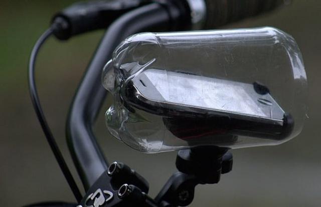 Đồ bảo hộ hoàn hảo cho điện thoại của bạn đến từ những chai nhựa cũ!